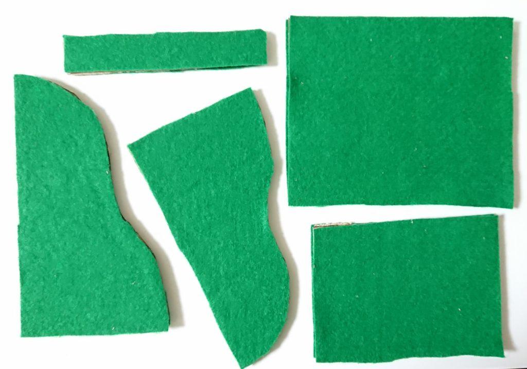 サンタぽんぽん ソリ緑フェルト貼り付け